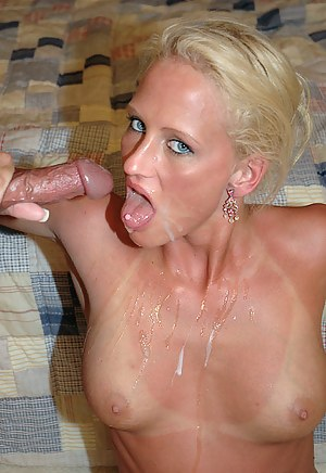 Hot MILF Cum in Mouth Porn Pictures