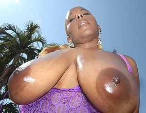 Hot Oiled MILF Porn Pictures