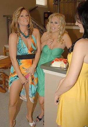 Hot Lesbian MILF Orgy Porn Pictures