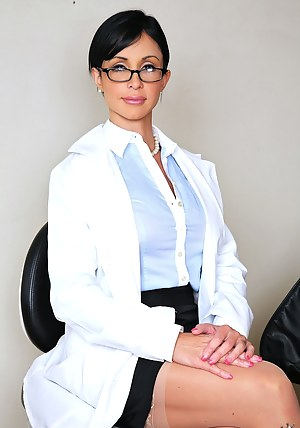 Hot MILF Doctor Porn Pictures