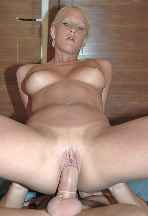 Hot Dick in MILF Pussy Porn Pictures