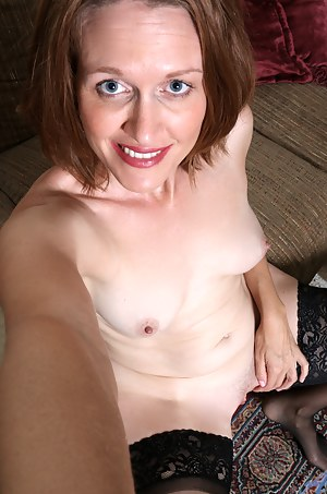 Hot MILF Selfshot Porn Pictures