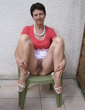 Hot Hairy MILF Pussy Porn Pictures