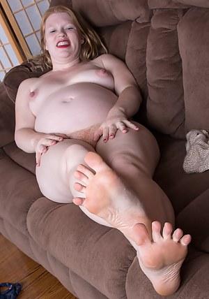 Hot Pregnant MILF Porn Pictures