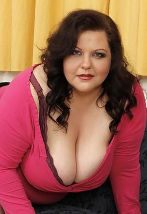 Hot BBW MILF Porn Pictures