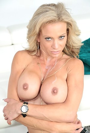 Hot Fake Tits MILF Porn Pictures