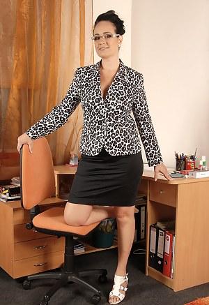 Hot MILF Teacher Porn Pictures