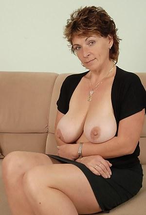 Hot Mature MILF Porn Pictures