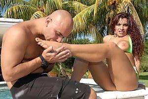 Hot MILF Foot Fetish Porn Pictures